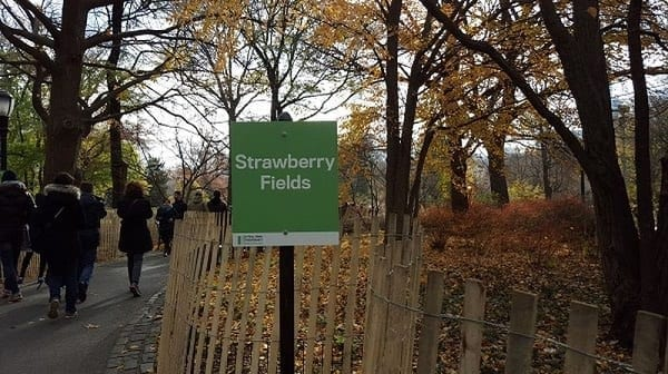 Strawberry Fields Central Park in memoria a John Lennon